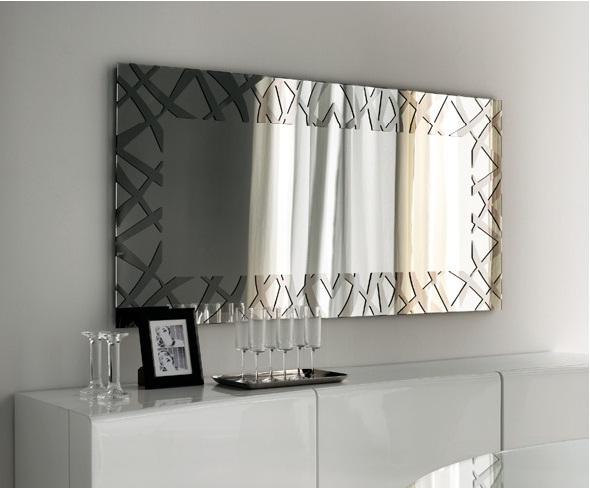 Estetik Görünüme Sahip Salon Ayna Modeli