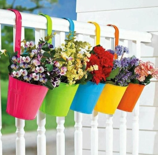 Balkon Tasarımları İçin Yapma Çiçek Modelleri