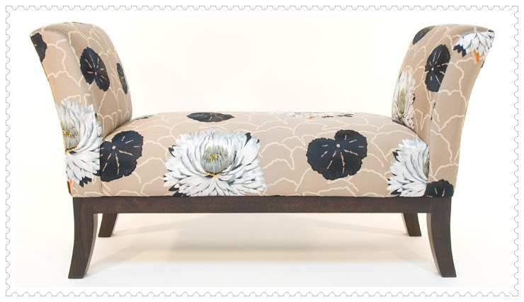 Çiçek Desenli Josephine Koltuk Modeli