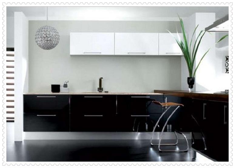 Şık Siyah Beyaz Mutfak Dolapları