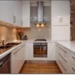 Beyaz U Mutfak Dolapları