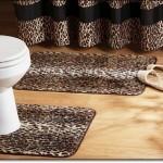 Leopar Desenli Banyo Paspasları