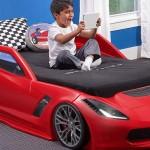 Kırmızı Arabalı Yatak