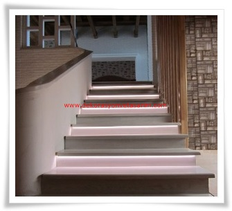 Aydınlatmalı Dubleks Ev Merdivenleri