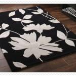Çiçek Desenli Siyah Beyaz Halı