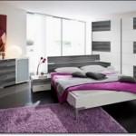 Yatak Odasi Lila Hali Modelleri