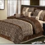 Leopar Desenli Yatak Örtüleri
