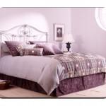 Erguvan Rengi Yatak Odası
