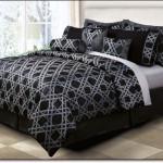 Siyah Beyaz Yatak Örtüleri
