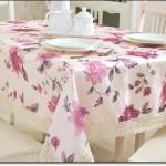 Çiçek Desenli Masa Örtüleri