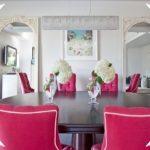 Fuşya Rengi Yemek Masaları